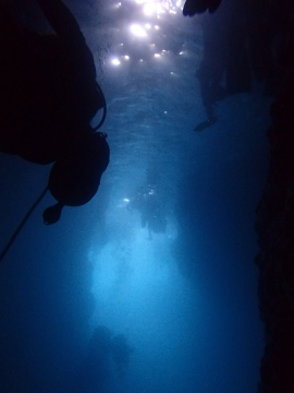 "Inside the ""Grotta Azzurra"" of Okinawa -Cape Maeda"